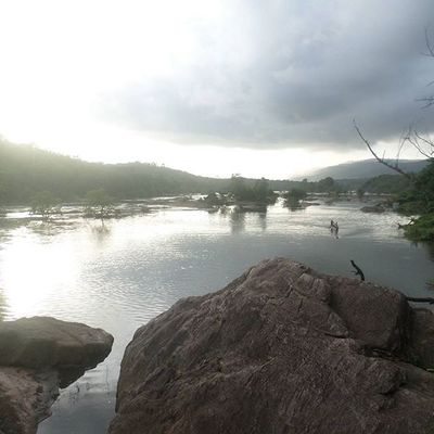 Awesome journey with friends!!!! To bhoothathankettu, kothamangalam Trip Trekking Mountain Dam Water Evening Sun Journey Nature Ernakulam Instagram Instadaily TPSextreme