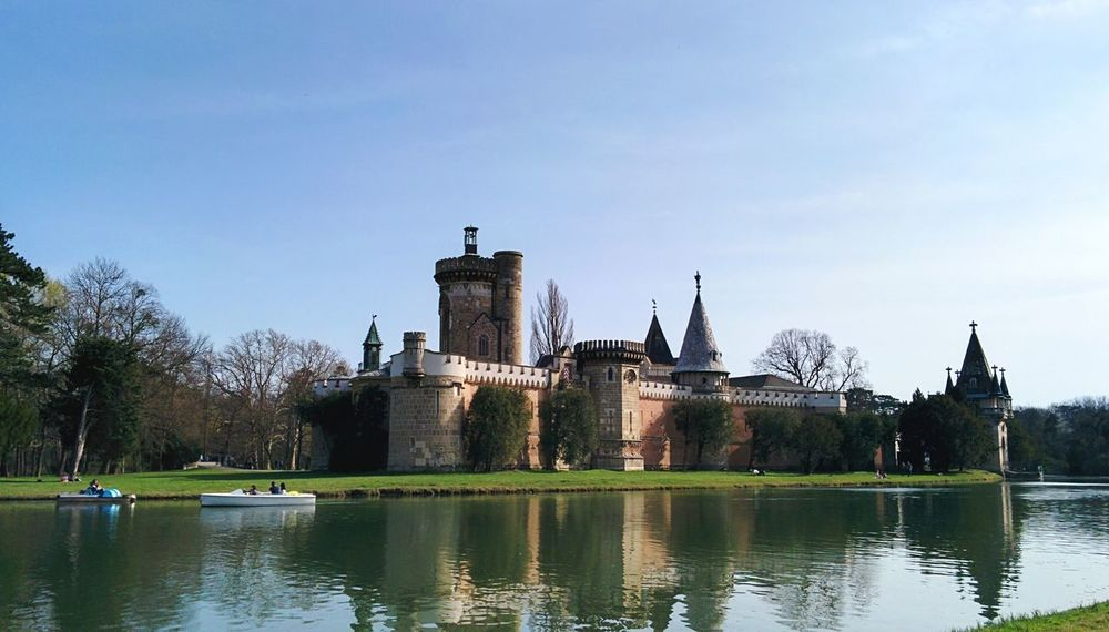 mit Kaiserin Sisi auf Sommerfrische Park Castle My Home Is My Castle Princess Castle Imperial Palace Residence Aechitecture Urban Spring Fever Spring Has Arrived Water_collection