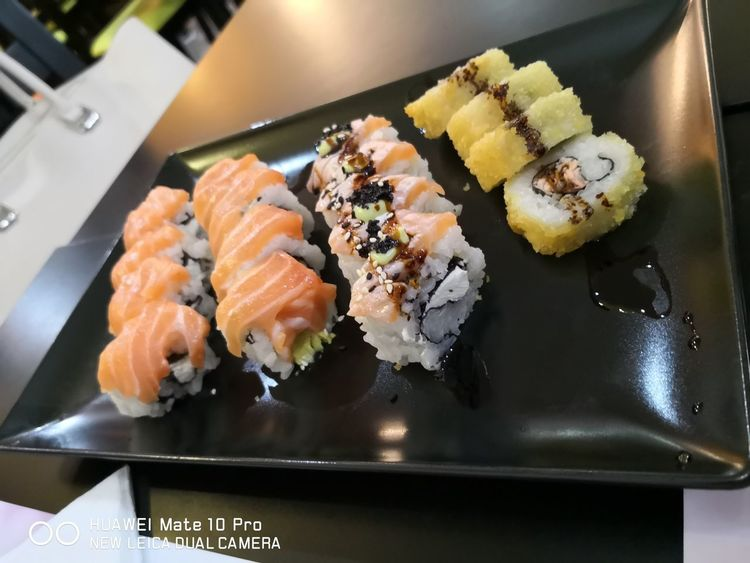 Sushi Huawei Leica Cam Leica Lens Huawei Huaweimate10pro Food Foodphotography Foodlover Foodpics Food♡ Beutiful  Beuty Nightphotography EyeEm Selects Sashimi  City Sushi Seafood Ginger Cultures Plate Japanese Food Fish Rice - Food Staple EyeEmNewHere