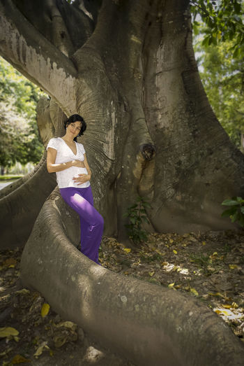 pregnant woman feeling grateful Jardin Botanico Maternidad Alpha Birth Borning Feeling Grace Incoming Life Loving Maternity Peace Pregnancy Sony Waiting One Person Real People Women Nature Young Adult Day Tree Plant Outdoors Inlove Feeling Good Feeling Thankful Inner Peace