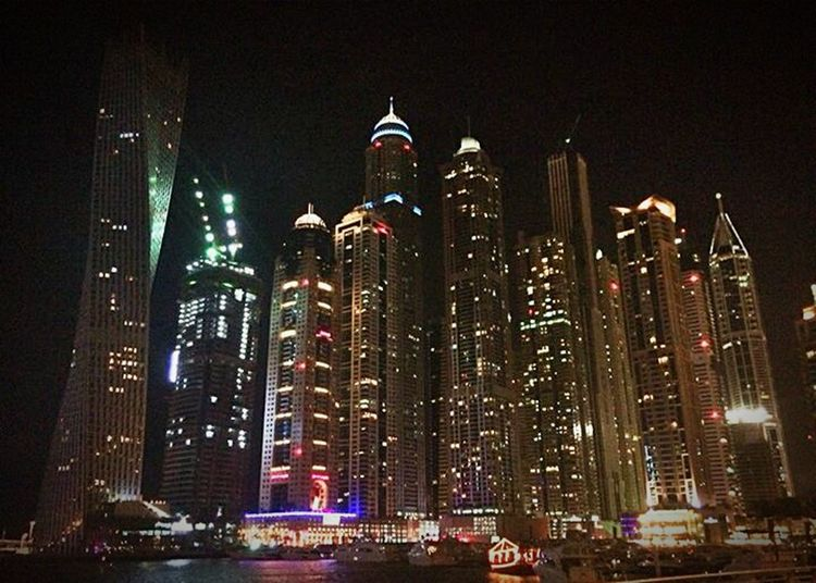 Cityscapes Enjoying The Sights Taking Photos Dubai Marina Dubai❤ MyDubai ❤ Tall Buildings Buildings Twistedbuilding