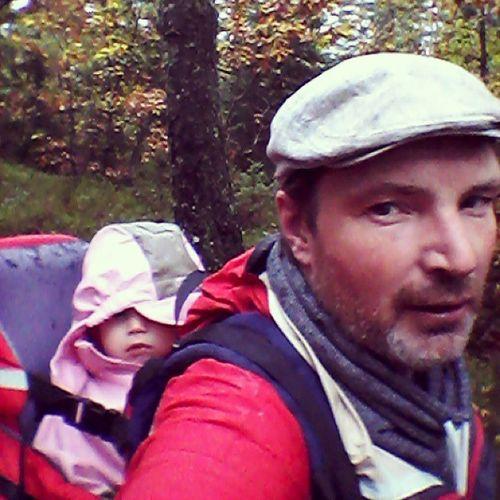 Kristiane & Pa på elgjakt Elgjakt Jakt Moose Hunting bæremeis skogen wilderness natur nature jaktvær regn utinaturen