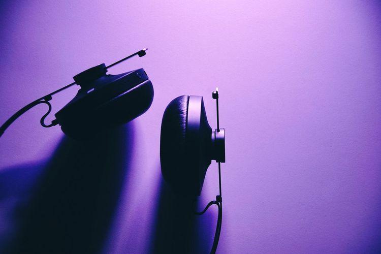 Headphones Bluetooth Bluetooth Speaker Light Painting Studio Shot Bluetooth Headphones