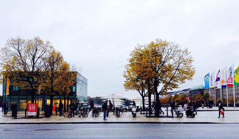 Wellcome! In Hamburg Peoplephotography People Watching Urbanlifestyle Ilovehamburg