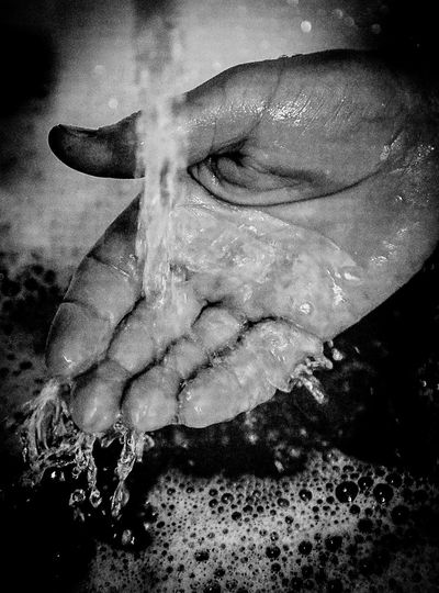 Wet Wet Hand Water Hand In Water Shower Clean Clearing Rinse Under The Water Tub Water Flow Temperature Fingers Feel Cooling  Shower Time Clean Hands Dripping Water Dripping Water Drops Dropping Waterdrops Fresh Fresh Water Water Tap