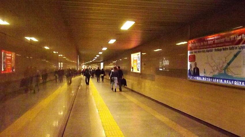 Metro Station Metro Station Istasyon Durak Yolcu Yolcular Bekleyiş
