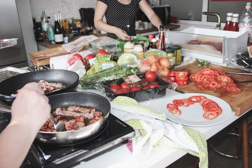 Kitchen Food Cooking Grocery Vegetables Pan Frying Bacon! Tomato Fresh Produce People