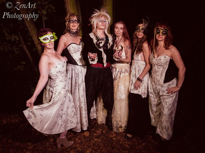 As the world falls down Bowie Goblin King The Labyrinth Friendship Party - Social Event Young Women Full Length Portrait Fun Celebration Nightclub Dance Floor