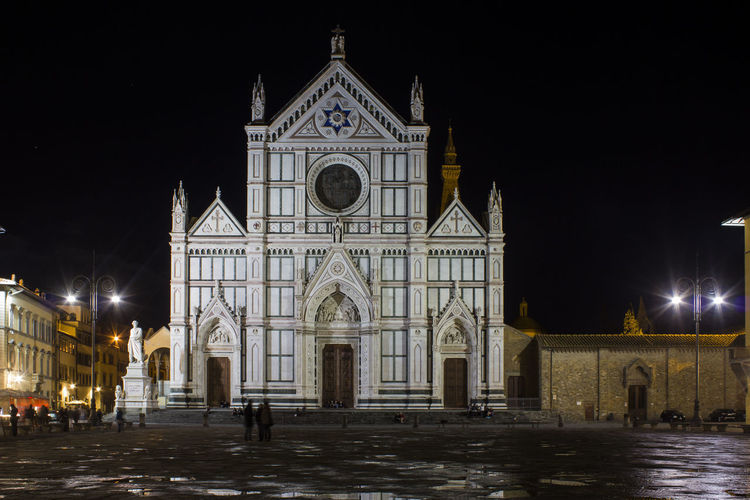 Santa Croce Basilica in Florence (Holy Cross Cathedral) , Italy Basilica Church Firenze Italia Santa Croce Cathedral Square Tuscany Architecture Building Building Exterior Built Structure Church Architecture Façade Florence Holy Cross Illuminated Italy Night Place Of Worship Santa Croce