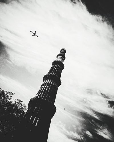 Qutab minar Incredibleindia Qutab_Minar Delhidiaries DelhiGram IPhoneography Exploring New Ground EyeEm Best Shots Historical Building History Historical Monuments CreativePhotographer