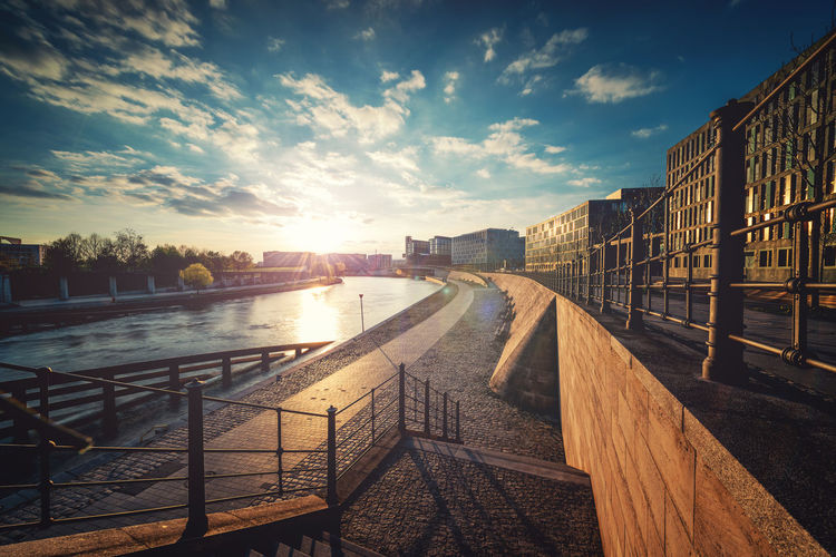 Architecture Beauty In Nature Berlin Bridge - Man Made Structure Building Exterior Built Structure City Cityscape Cloud - Sky Day Hauptbahnhof Himmel Nature No People Outdoors Railing River Sky Sonnenuntergang Sunlight Sunset Tree Water