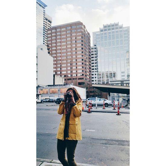 Yellow jacket photog    Photog Seattle