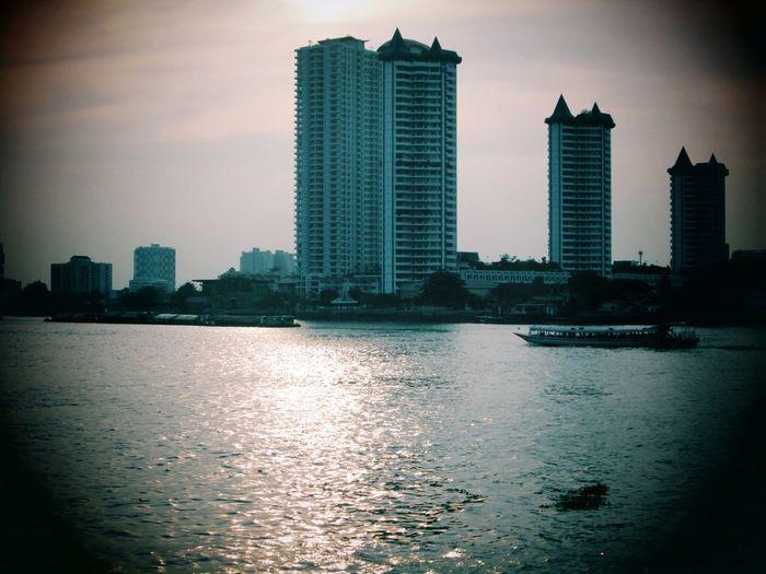 Silhouettes Of A City EyeEm Thailand Sawasdee World. Taking Photos Enjoying The View ,Enjoy The River, .