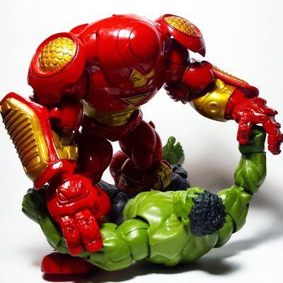 Marvel Marvellegends Marvelcomics Ironman Tonystark Avengers AgeOfUltron Hulkbuster Veronica Disney Toybiz Toys Toyphotography Toypizza Toysarehellasick Toycollector Toycommunity Toycollection