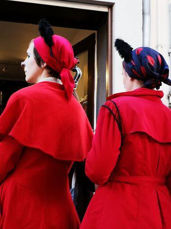 Anstehen 11.11.18 Cologne Alaaaaaaaf Eyeem Best Of The Day Saisoneröffnung Togetherness Red Dressed Carneval Women Red Men Rear View