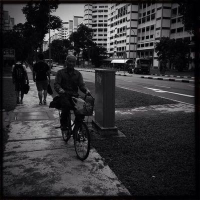 Blackandwhite Hipstamatic Streetphotography Myworldofppl