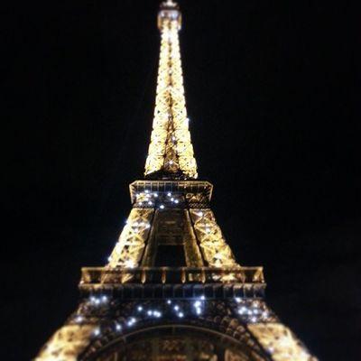 Meia noite em Paris ;) Rarisol