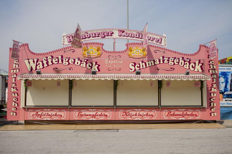 Sommerdom Amusement Parks Amusementpark Booth Communication Fun Ride Hamburger Dom Market Market Stall Retail  Store Sweets Text