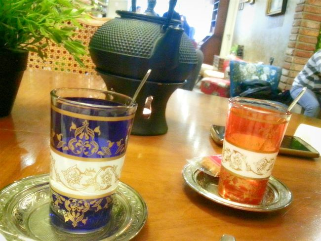 Taking Photos Check This Out Relaxing Hanging Out Enjoying Life Delicious ♡ Tea Time Tea Oriental Style Oriental Design Orient Oriental Osmanlı Turkey Turkishcoffee Turkishfollowers Turkish Turkish Tea Apple Tea Osmanisches Reich Köln, Germany Your Ticket To Europe Mix Yourself A Good Time Original Experiences Live For The Story
