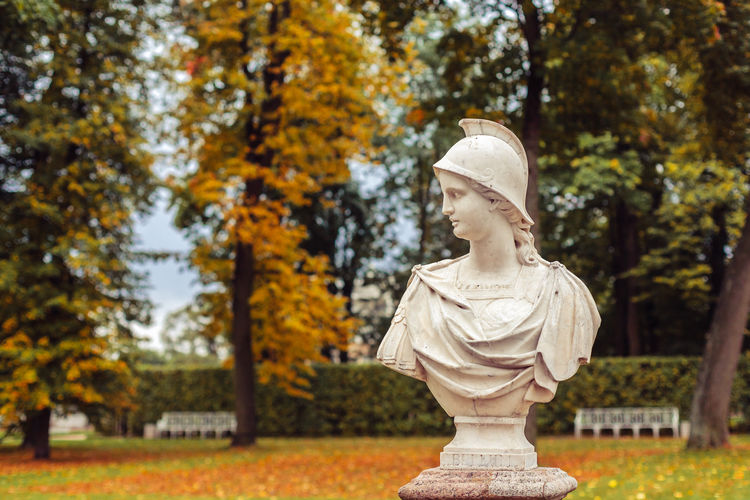 Statue in catherine park during autumn