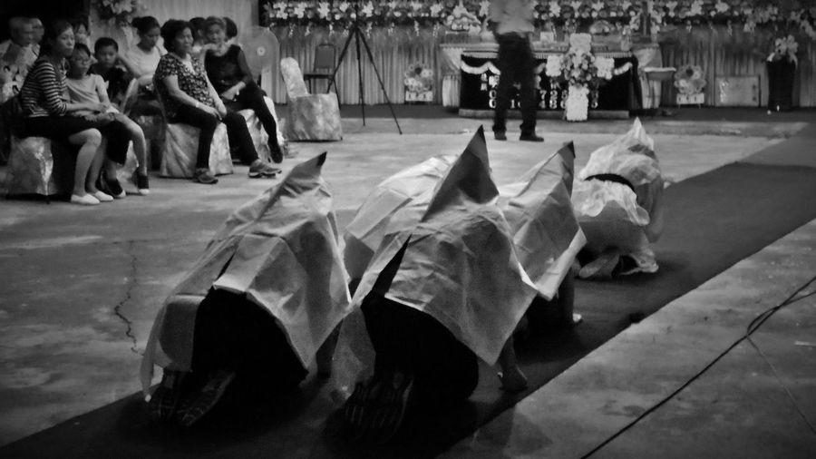 2017/9/22 家族群像~阿公喪禮紀錄之白琴孝孫女 於社頭 Funeral Taiwan Family Family❤ Family Time Bw Bw_lover BW_photography B&w Photo B&w Bw Photography B&w Photography Bwphotography EyeEmNewHere