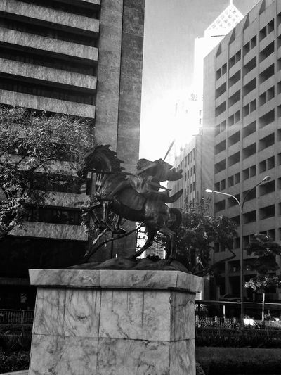 Hero Womenhero Heroine Architecture Sculpture Woman Feminine  Warrior Art Blackandwhite Blackandwhitephotography Buildings Blackandwhite Photography Monotone Sunrise