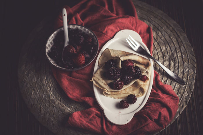 Pancakes Healthy Eating Red Fruits Low Light Indulgence Ready To Eat Table Setting Food Dessert Homemade Studio Shot Pancakes Sugar Low Light Food Drink Food And Drink Sweet Food Freshness Indoors  Temptation Plate Table No People Ready-to-eat Close-up Day