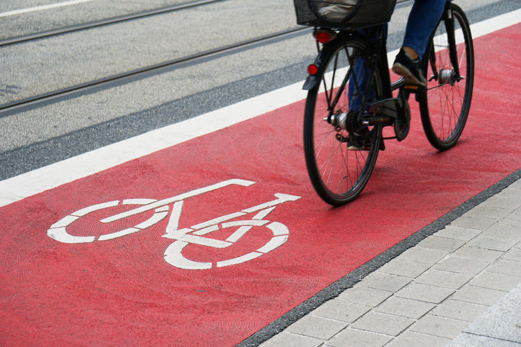 Bike Lane City Cycle Cyclist Hannover Traffic Bicycle Bicycles Bike Bike Path Cycle Lane Cycle Path Cycling Day Germany Lane Outdoors Real People Red Road Marking Street Transportation