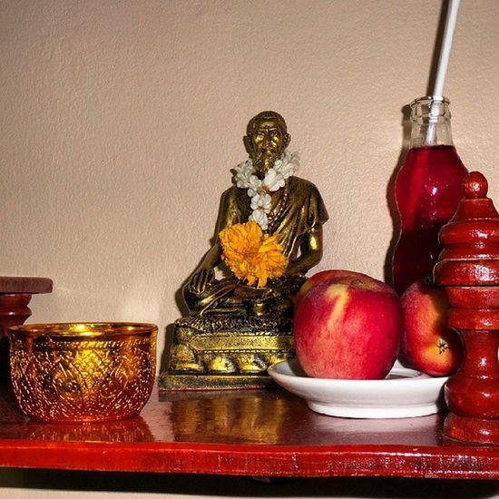 Shivago Thaimassage Master Pray praying believing faith respect Thanksgiving http://www.mymassagetherapy.com/pichest.htm SabaiSabai NuadThai SabaiSabaiNuadThai Nuanchan Nuanjun Nuanjan Ramintra40