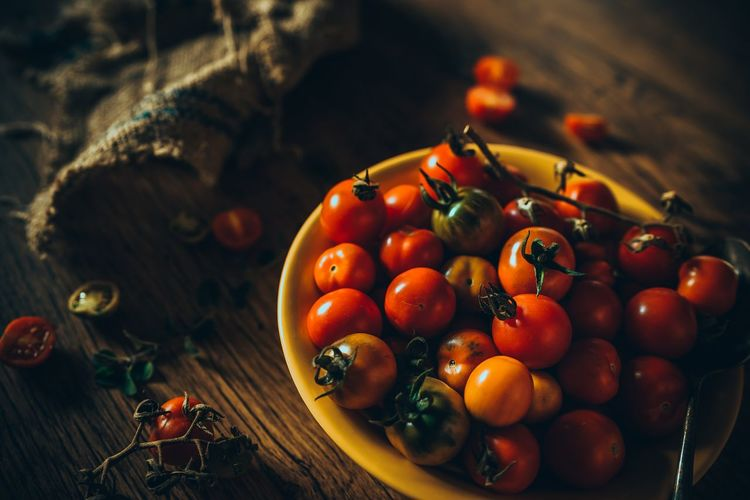 tomatoes Tomatoes Cherries Tomatoes Vegetable Vegan Foodphotography Oldlook Homemade Food Fruit Rustic Winter Autumn Red Agriculture Close-up Food And Drink Farmland