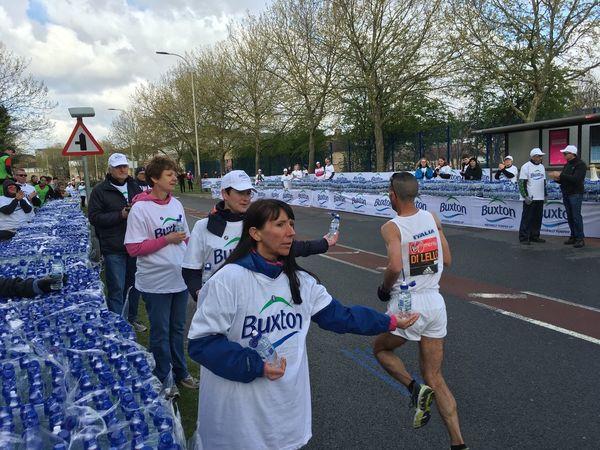Helping Out London Marathon Water Running Volunteering People Together Running Taking Part