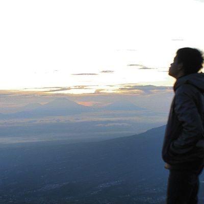 Sunrise SindoroMountain INDONESIA