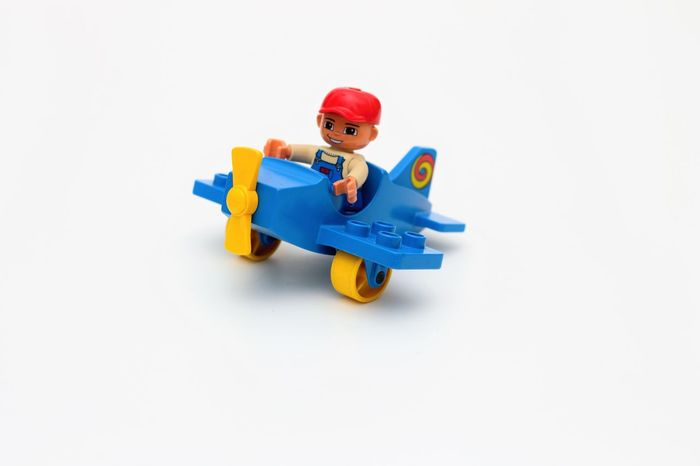 Lego Duplo Plane Childhood Childrens Toys Kinder Spielsachen Kinder Spielzeug Kinderspielzeug Lego Duplo Lego Duplo Fahrzeuge Lego Duplo Flugzeug Lego Duplo Photography Lego Duplo Plane Lego Duplo Toys Lego Duplo Vehicle Plastictoys ProduktFotografie Spielsachen Spielzeug Fahrzeuge Studio Shot Toy White Background