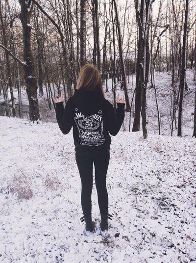 Jackdaniels Girl Winter