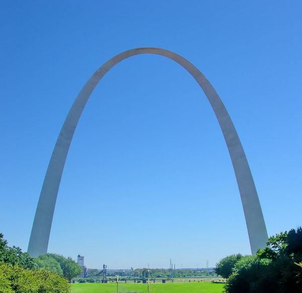 Gateway Arch, St. Louis, Missouri. Arch Arched Beauty In Nature Blue Clear Sky Day Gateway To The West Jefferson Memorial Lawn Mississippi River Missouri Monument No People Outdoors Scenics St. Louis Tourism Tranquil Scene Tranquility