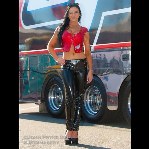 @tali_doherty representing @sptools at Ipswich V8 Supercar event Model Sptools Promotions Motorsport