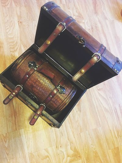 Lieblingsteil new find! Trunk Trunk In A Trunk Vintage Suitcase Vintage Vintage Style Antique Antique Luggage Antique Suitcase Old-fashioned Still Life Find Design Nostalgia Old Luggage Storage Photo Props Suitcase Leather Brown