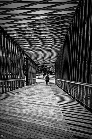 Vanishing Point Black And White Bw_collection Streetphotography Streetphoto_bw Madrid Spain The Moment - 2014 EyeEm Awards The EyeEm Facebook Cover Challenge Popular Photos Taking Photos