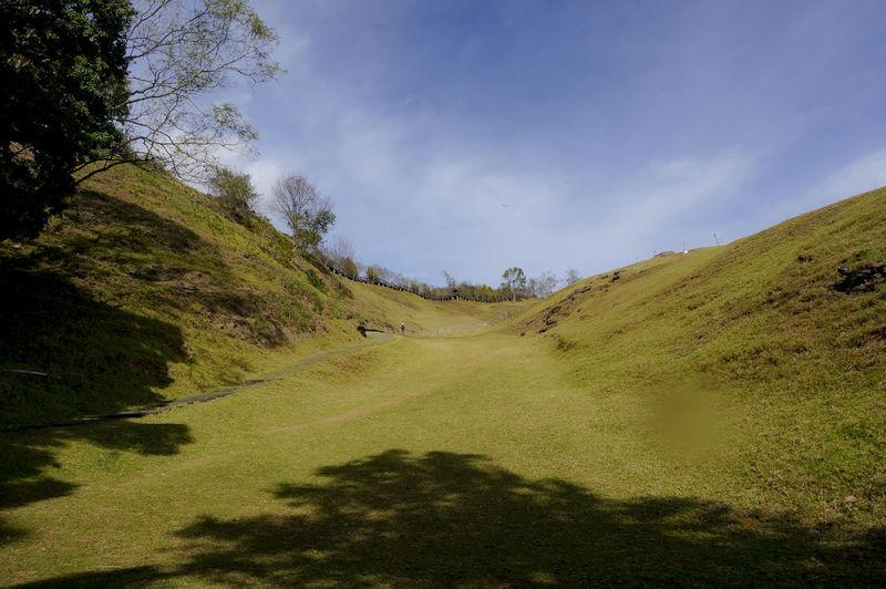 Hiking Mountain View Grassland Scenics Blue Sky Mountains Sunshine Sunny Day