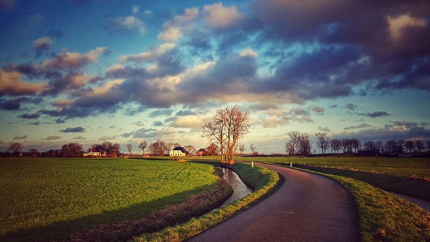 Hollands glorie Mobilephotography From My Point Of View Beauty In Nature Landscape Agriculture Cloud - Sky Sky Road Sunset Landscape Rural Scene