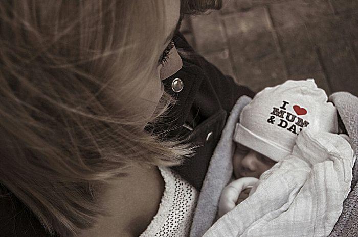 Portrait Of A Friend Mum And Son Babyboy Baby Women Saschade.net Portrait http://saschade.net