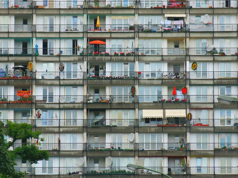 Housing Project Berlin Imigrantes Periphery Squalid Buildings