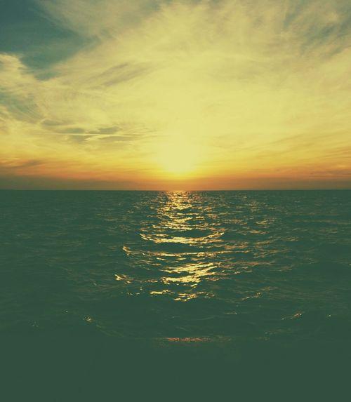 Sea And Sky Nea Paralia Thessalonikis Beautiful Sunset