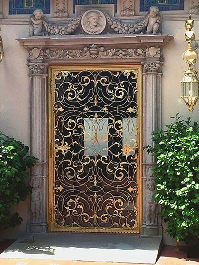Goldendoor Manison Design