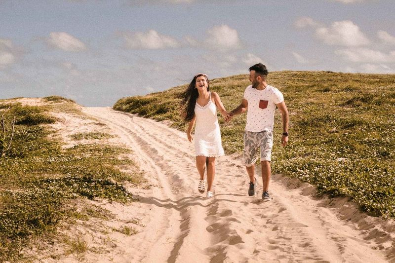 amor, sinceridade, carinho, paixao Adult Bonding Casual Clothing Cloud - Sky Couple - Relationship Day Emotion Full Length Land Leisure Activity Nature Outdoors Plant Positive Emotion Real People Road Sky Togetherness Two People Women Young Adult Young Women