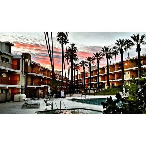 What I see when sun goes down most of time at front of my unit😊 Sunset NorthHollywood NoHo Cali Calife California Cali4nia Beşiktaşk Besiktas Valleyvillage Losangeles La Istanbul Instamod Instagood Bestoftheday Bestshots_ph Catchthemoment Sungoesdown