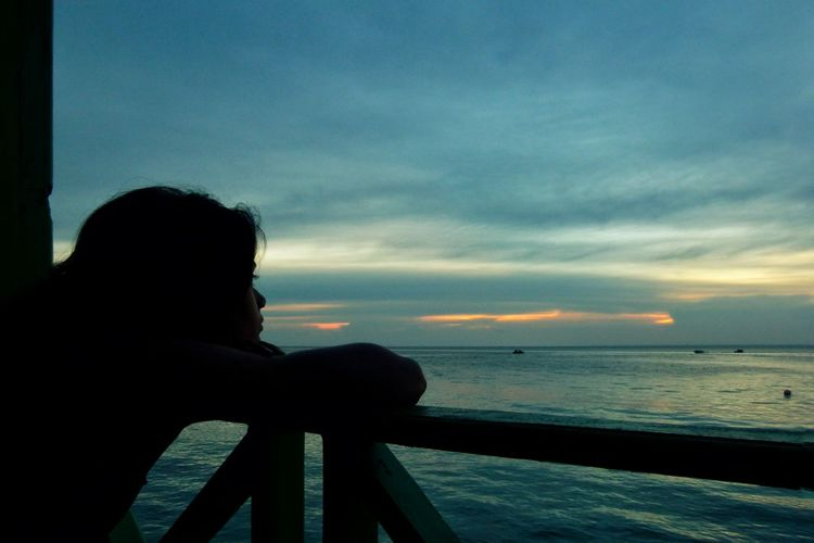 Maratua Island INDONESIA Evening Sky Ocean Woman Staring Showcase April Travel Landscapes Nature Traveling People People Watching Thoughtful Sunset The Essence Of Summer People Of The Oceans Girl Power Women Around The World Long Goodbye Breathing Space