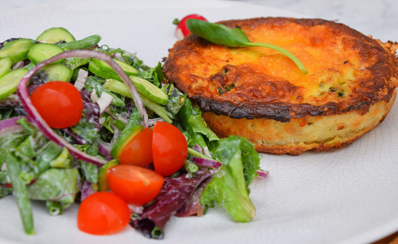 Portion of quiche lorraine pie with salad Cuisine France Homemade Homemade Food Quiche Homemade Quiche Lorraine QuicheLorraine Cherry Tomato Close-up Food Food And Drink French Food Freshness Healthy Eating Plate Portion Quiche Ready-to-eat Salad Tomato Vegetable