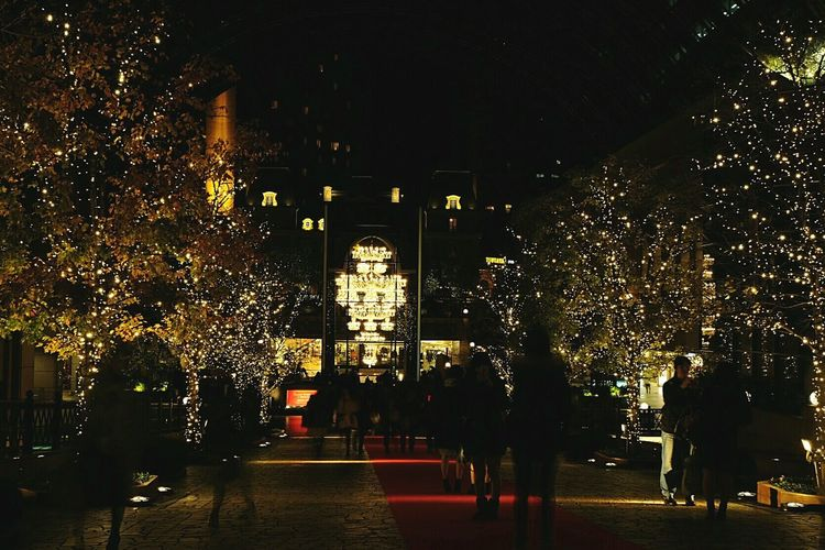 That Christmas feeling.. Christmas Lights Christmas Decorations Christmastime Blur Tistheseason Showcase: November Silouette Light And Shadow Chandelier