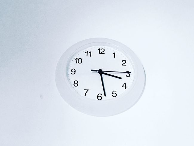 Clock Time Number Single Object Clock Face Copy Space Geometric Shape Circle Indoors  Still Life Wall Clock Close-up Minute Hand Instrument Of Time Deadline Hour Hand Convenience White Background Round Studio Shot